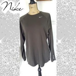 Green Nike running top shirt dri fit sz medium